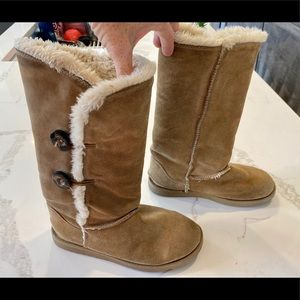 "Ugg ""Like"" Winter Boots"